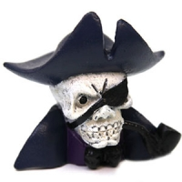 Ornament Pirate Scull w/Captains Hat 8.2x6x8cm